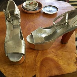 Jeffery Campbell silver leather very high heels 8